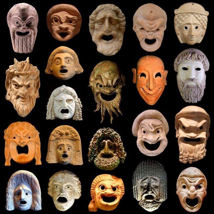 In Griekse drama's was een 'persoon' het masker waardoor de stem van de acteur werd versterkt: 'per sonare', doorheen klinken.